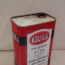 Casse e cassette metalliche: ANTIGUA LATA PÓLVORA DE CAZA ÁGUILA - OVIEDO. Lote 261863320