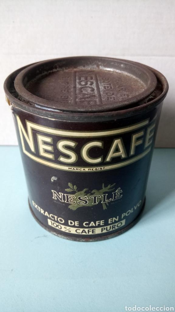 BOTE DE NESCAFÉ. EXTRACTO DE CAFÉ EN POLVO. 100% CAFÉ PURO. AÑOS 60. (Coleccionismo - Cajas y Cajitas Metálicas)