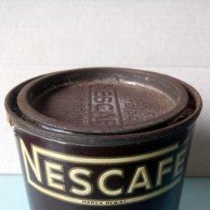 Cajas y cajitas metálicas: BOTE DE NESCAFÉ. EXTRACTO DE CAFÉ EN POLVO. 100% CAFÉ PURO. AÑOS 60.. Lote 262530395