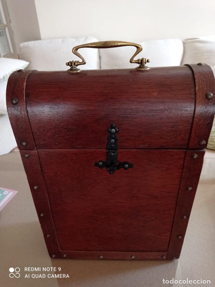 Cajas y cajitas metálicas: Cofre de madera para botellas de vino. - Foto 2 - 263941865