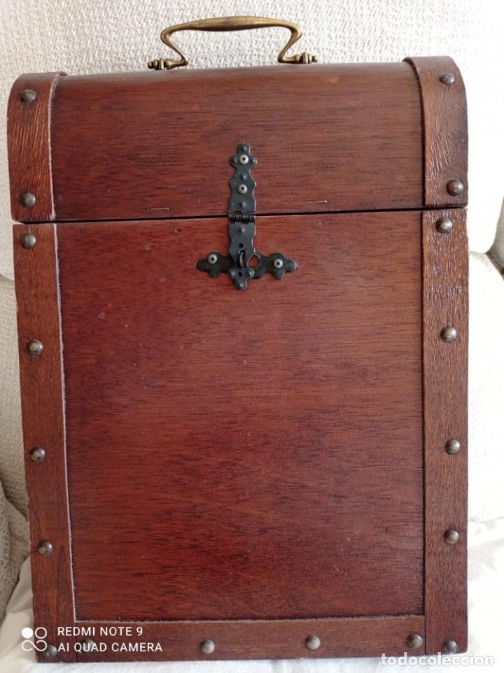 Cajas y cajitas metálicas: Cofre de madera para botellas de vino. - Foto 3 - 263941865