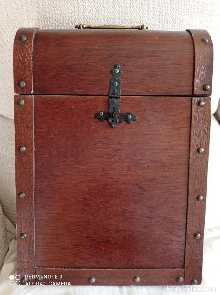 Cajas y cajitas metálicas: Cofre de madera para botellas de vino. - Foto 4 - 263941865