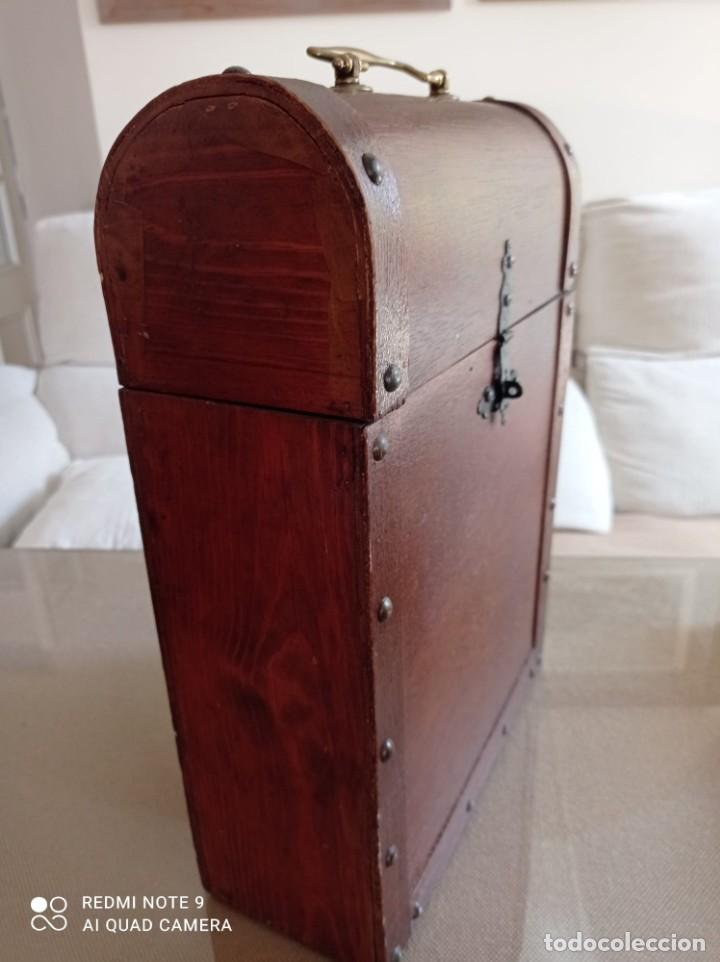Cajas y cajitas metálicas: Cofre de madera para botellas de vino. - Foto 10 - 263941865