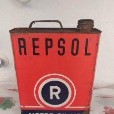 Cajas y cajitas metálicas: LATA DE ACEITE MOTOR OIL REPSOL. Lote 267048069