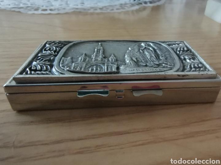 Cajas y cajitas metálicas: Cajita pastillera Virgen de Lourdes - Foto 4 - 268958834