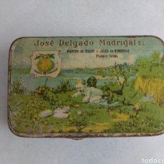 Cajas y cajitas metálicas: JOSÉ DELGADO MADRIGAL FÁBRICA DE DULCE Y GALEA DE MEMBRILLO PUENTE GENIL. Lote 269356488