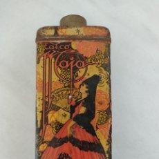 Cajas y cajitas metálicas: PRECIOSO ANTIGUO BOTE DE HOJALATA TALCO MAJA MURCIA BARCELONA. Lote 269368493