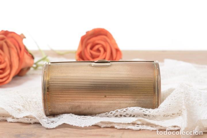 Cajas y cajitas metálicas: Curiosa caja vintage en forma cónica para maquillaje o monedero - Foto 2 - 273643118
