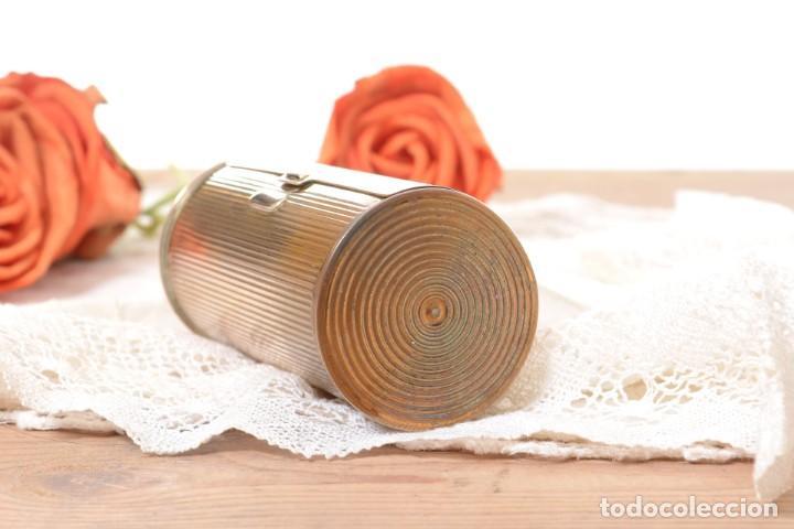 Cajas y cajitas metálicas: Curiosa caja vintage en forma cónica para maquillaje o monedero - Foto 3 - 273643118