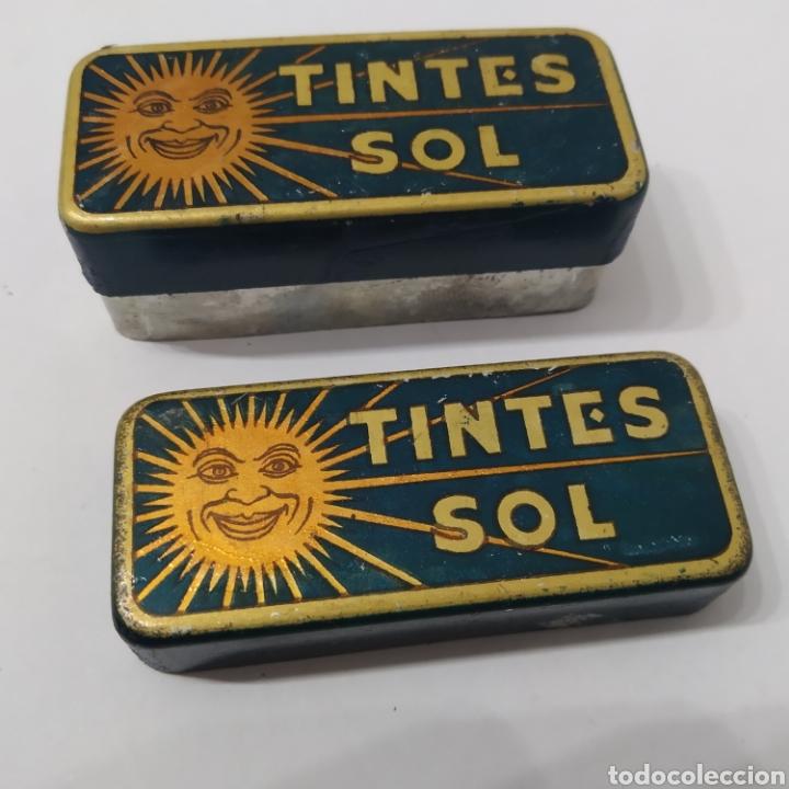 Cajas y cajitas metálicas: Antigua Caja de hojalata de TINTES SOL, años 40 - 50 - Foto 3 - 276096423