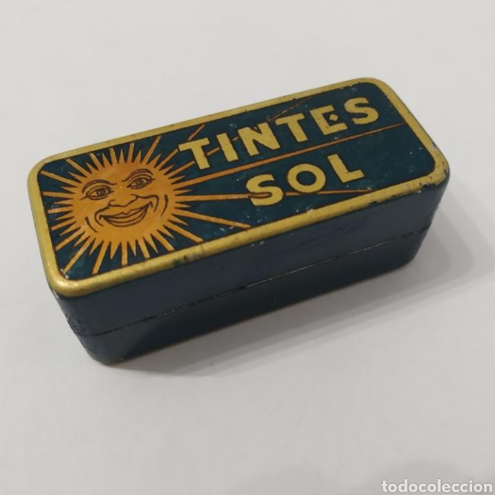 ANTIGUA CAJA DE HOJALATA DE TINTES SOL, AÑOS 40 - 50 (Coleccionismo - Cajas y Cajitas Metálicas)