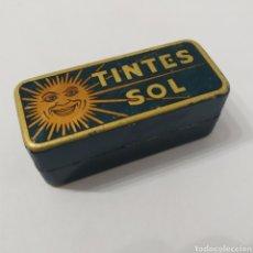 Cajas y cajitas metálicas: ANTIGUA CAJA DE HOJALATA DE TINTES SOL, AÑOS 40 - 50. Lote 276096423