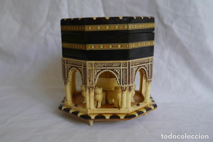Cajas y cajitas metálicas: Caja joyero musical de marquetería Fuente de los leones Alhambra de Granada - Foto 2 - 277083238