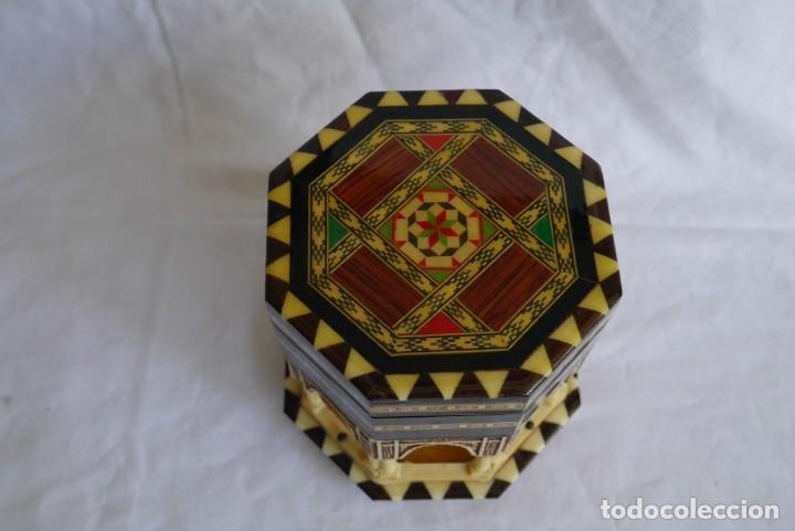 Cajas y cajitas metálicas: Caja joyero musical de marquetería Fuente de los leones Alhambra de Granada - Foto 5 - 277083238