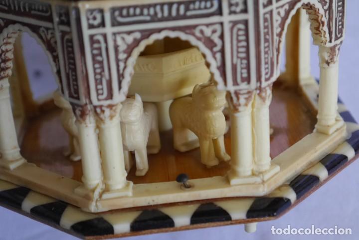 Cajas y cajitas metálicas: Caja joyero musical de marquetería Fuente de los leones Alhambra de Granada - Foto 9 - 277083238