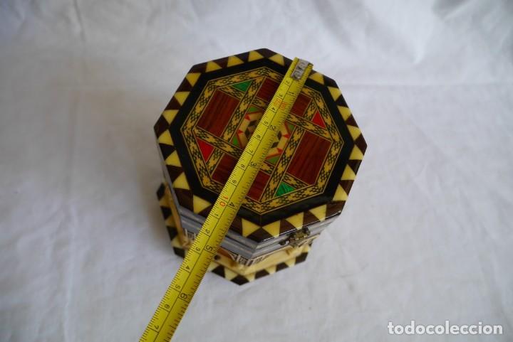 Cajas y cajitas metálicas: Caja joyero musical de marquetería Fuente de los leones Alhambra de Granada - Foto 12 - 277083238