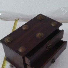 Cajas y cajitas metálicas: ARQUETA MADERA JOYERO CON DOS CAJONES. Lote 278318408