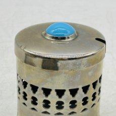Cajas y cajitas metálicas: CAJA CON TURQUESA. Lote 286723758