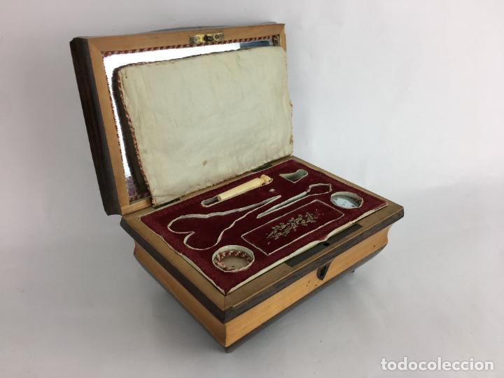 Cajas y cajitas metálicas: PRECIOSA CAJA BAUL COSTURERO FORRADO EN TERCIOPELO - Foto 3 - 286947078