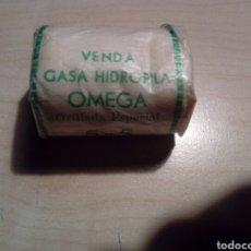 Cajas y cajitas metálicas: PAQUETE VENDA GASA HIDROFILA OMEGA SIN ESTRENAR 5X5. Lote 288173353
