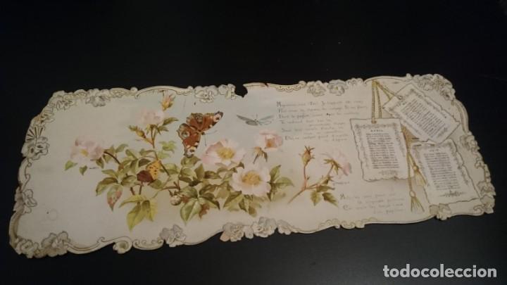 CARTÓN CON TRES MESES DE CALENDARIO DECORADO Y BORDE TROQUELADO FIRMADO POR BERTHA MAGUIRE - ANTIGUO (Coleccionismo - Calendarios)