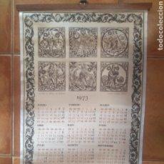 Coleccionismo Calendarios: PRECIOSO CALENDARIO AÑO 1973 ESTAMPADOS TELA RASO SIGNOS DEL ZODIACO PUBLICIDAD COLORTEX ONTENIENTE. Lote 204321967
