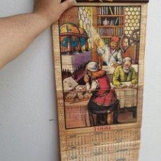 Coleccionismo Calendarios: CALENDARIO ALMANAQUE MADERA FARMAVISION CENTRO ÓPTICO ALMERÍA AÑO 1999 DIBUJO LABORATORIO MÉDICO. Lote 251335660