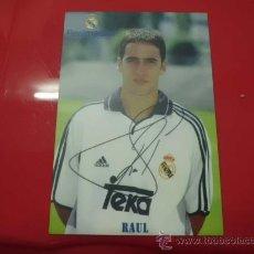 Coleccionismo deportivo: CALENDARIO BOLSILLO AÑO 2001 REAL MADRID RAUL. Lote 54929044