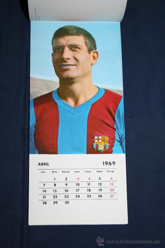 Coleccionismo deportivo: C.F. BARCELONA - CALENDARIO DE FUTBOL DE 1969 - COMPLETO, CON FOTOGRAFÍAS DE LOS JUGADORES - Foto 4 - 32302378
