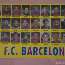 Coleccionismo deportivo: CALENDARIO DE FÚTBOL: EQUIPO DEL F.C. BARCELONA,AÑO 1999,VER FOTO TRASERA,HAZTE CON EL. Lote 243560635
