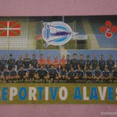Coleccionismo deportivo: CALENDARIO DE FÚTBOL EQUIPO DEL DEPORTIVO ALAVES AÑO 2001 VER FOTO TRASERA. Lote 188700262