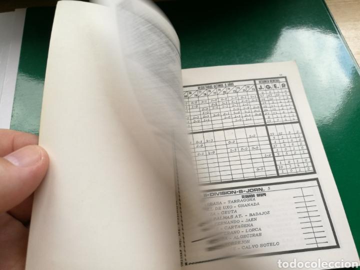 Coleccionismo deportivo: Calendario estadístico de fútbol de la Liga española 1981-82 - Foto 2 - 94132855