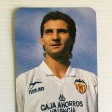 Coleccionismo deportivo: CALENDARIO DE BOLSILLO DEL JUGADOR GINER DEL VALENCIA CF - 1990. Lote 122976263