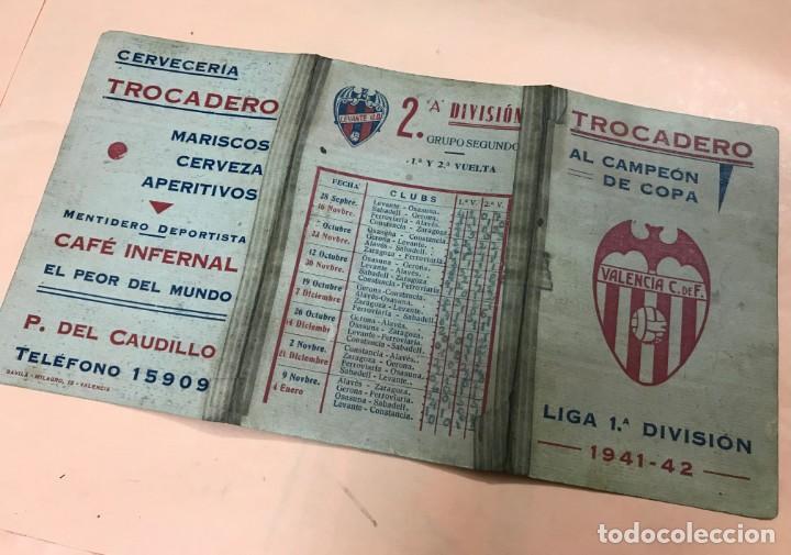 CALENDARIO TRIPTICO LIGA DE FUTBOL - TROCADERO AL CAMPEON DE COPA VALENCIA C.F. - TEMPORADA 1941-42 (Coleccionismo Deportivo - Documentos de Deportes - Calendarios)