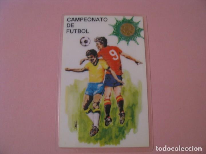 CALENDARIO DE MUNDIAL 82 CON MONEDA CONMEMORATIVA. PLASTIFICADA. (Coleccionismo Deportivo - Documentos de Deportes - Calendarios)