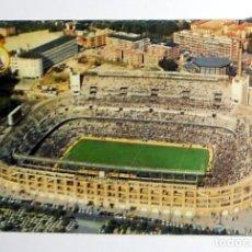 Coleccionismo deportivo: CALENDARIO DE BOLSILLO. ANTIGUO AÑO 1975 - REAL MADRID - ESTADIO SANTIAGO BERNABEU - FÚTBOL. Lote 156854058