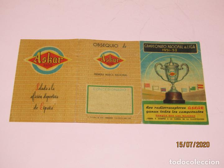 Coleccionismo deportivo: Antiguo Calendario Desplegable del Campeonato Nacional de Liga del Año 1951-52 Publi de Radios ASKAR - Foto 2 - 211868241