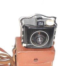 Cámara de fotos: CAMARA BABY BROWNIE SPECIAL BAQUELITA. Lote 18941417