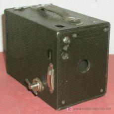 Cámara de fotos: KODAK Nº 2 BROWNIE MODELO B DE CAJON . Lote 12270395