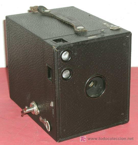 KODAK Nº 3 BROWNIE CAMERA DE CAJON (Cámaras Fotográficas - Antiguas (hasta 1950))