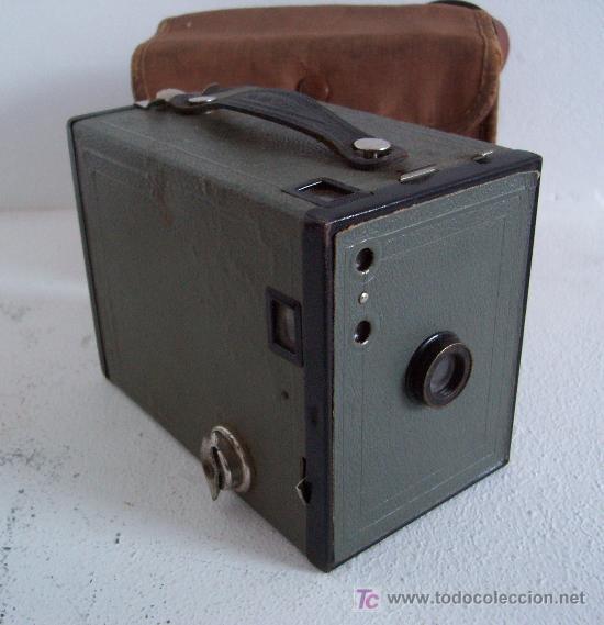 RARA CAMARA KODAK: BROWNIE Nº2 EN GRIS, 1929-1933, FABRICADO EN INGLATERRA (Cámaras Fotográficas - Antiguas (hasta 1950))