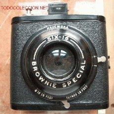 Cámara de fotos: KODAK BROWNIE SPECIAL SIX DE 6X9CM. Lote 24568725