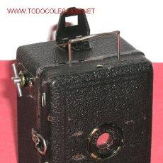 Cámara de fotos: ZEISS IKON BABY BOX. Lote 14203143