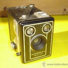 Cámara de fotos: CAMARA DE FOTOS CUADRADAS SIX 20. Lote 10580715