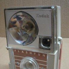 Cámara de fotos: CAMARA KODAK- FLASHFUN HAWEYE - CON FLASH DE UN SOLO DISPARO. Lote 26357491