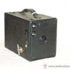 Cámara de fotos: CÁMARA FOTOGRÁFICA KODAK BROWNIE MODEL 6 (1920). MADE IN USA.. Lote 22719355