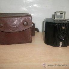 Cámara de fotos: KODAK BABY BROWNIE. FABRICADA EN EE.UU ENTRE 1934 Y 1941. CON SU FUNDA ORIGINAL CAMARA FOTOS. Lote 25897967