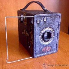 Cámara de fotos: ANTIGUA CAMARA ENSIGN ALL-DISTANCE TWENTY BOX CAMERA . Lote 26713907