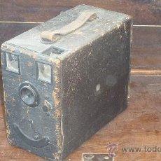 Cámara de fotos: ANTIGUA CAMARA FOTOGRAFICA ? DESCONOZCO DEL TEMA. VER FOTOS.. Lote 29585844