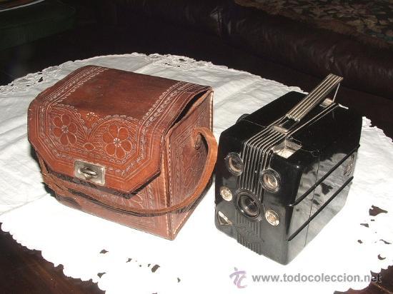 CÁMARA DE BAQUELITA AGFA TROLIX - OPERATIVA, Y COMPLETA - ESTILO ART DECO - UNICA EN TODOCOLECCION (Cámaras Fotográficas - Antiguas (hasta 1950))